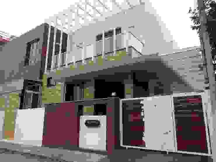 現代房屋設計點子、靈感 & 圖片 根據 Hasta architects 現代風