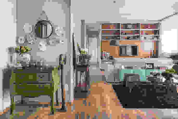 Hall de entrada: Salas de estar  por Alma em Design