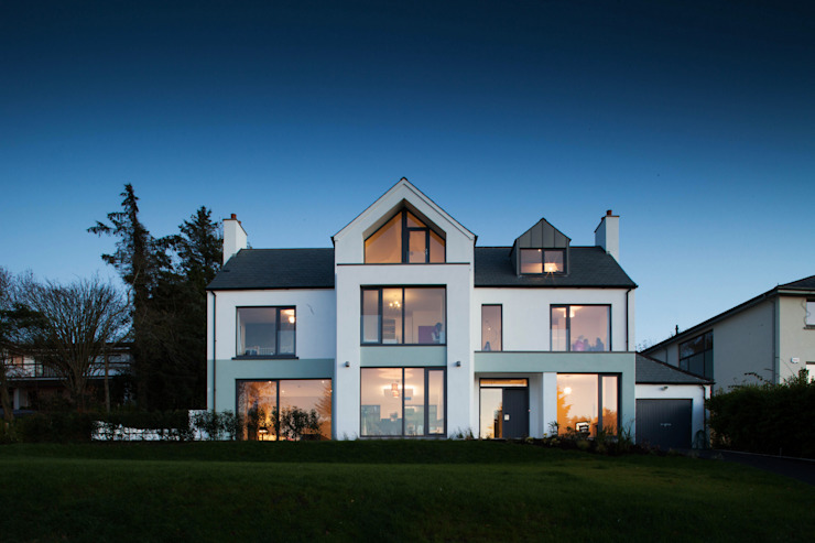 Modern fun house is children's favourite Modern houses by Des Ewing Residential Architects Modern