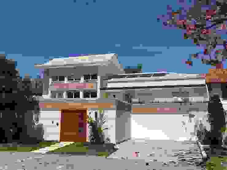 Moderne huizen van GEA Arquitetura Modern