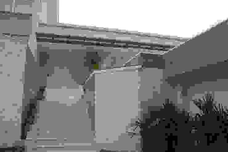 Modern houses by GEA Arquitetura Modern