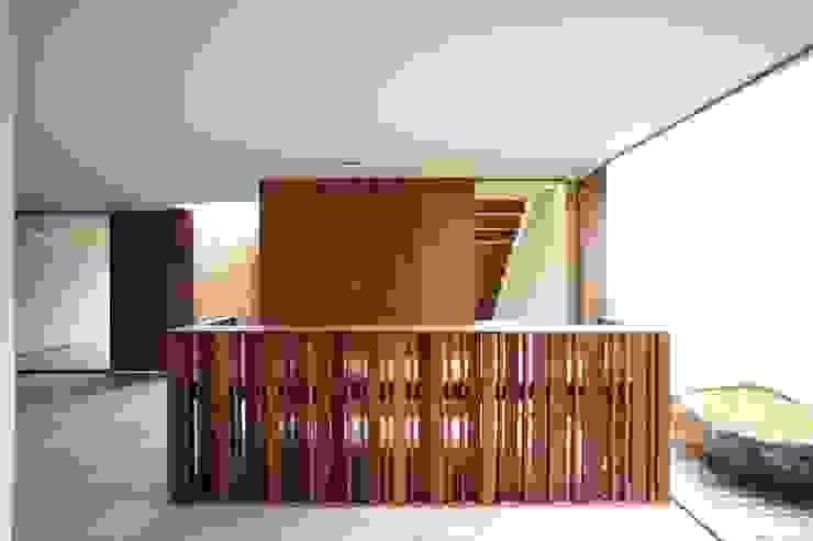 Remodelación y conversión de casa a corporativo de Alvaro Moragrega / arquitecto Moderno Madera Acabado en madera