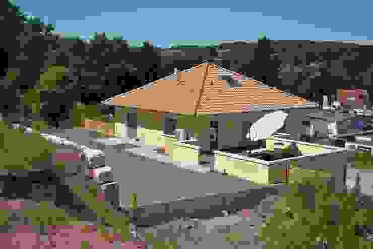 Maisons méditerranéennes par Froese Dach Méditerranéen