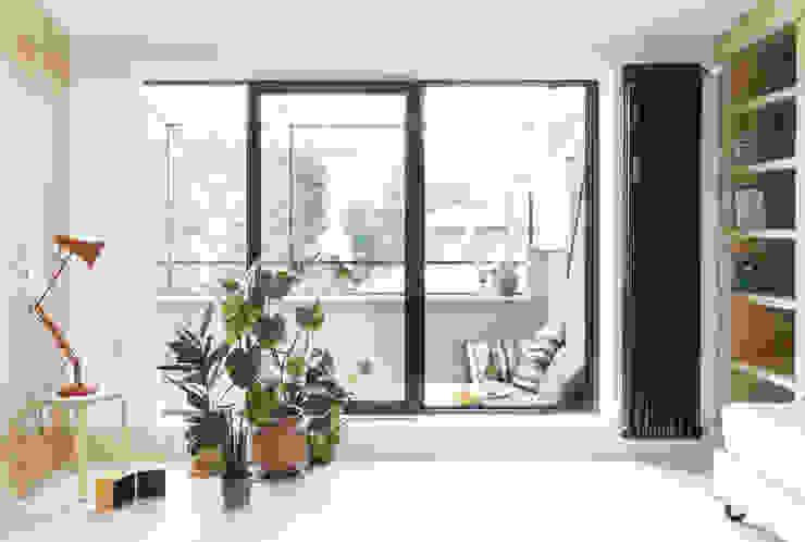 Modern Balkon, Veranda & Teras studio wok Modern