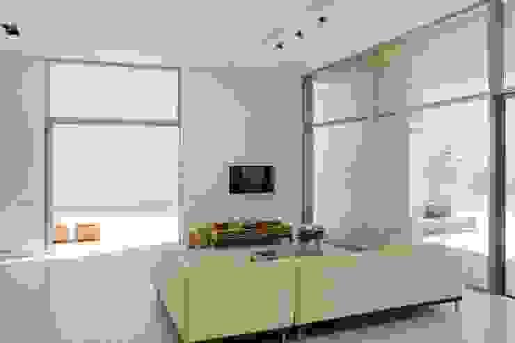 CASA SEACUB Salones de estilo minimalista de RM arquitectura Minimalista