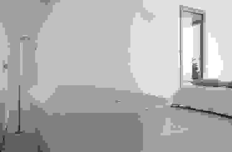 CASA SEACUB Baños de estilo minimalista de RM arquitectura Minimalista