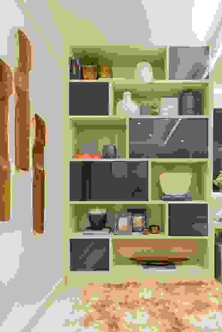 di Renata Matos Arquitetura & Business Moderno MDF