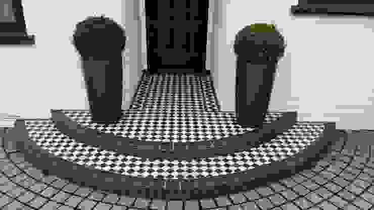 Front Garden Design Woking, Surrey Modern Garden by Linsey Evans Garden Design Modern