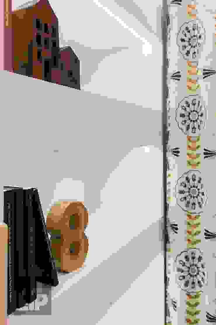 Salon original par Pogotowie Projektowe Aleksandra Michalak Éclectique