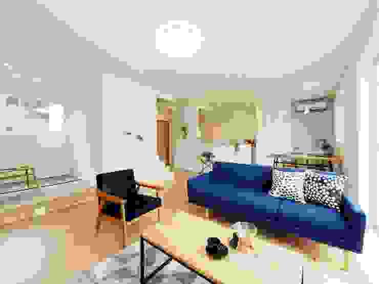 Mediterranean style living room by Live Sumai - アズ・コンストラクション - Mediterranean