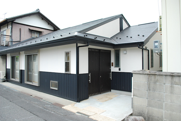 西川真悟建築設計 Casas de estilo asiático Madera