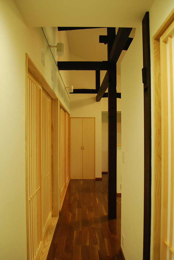 西川真悟建築設計 Livings de estilo moderno Madera