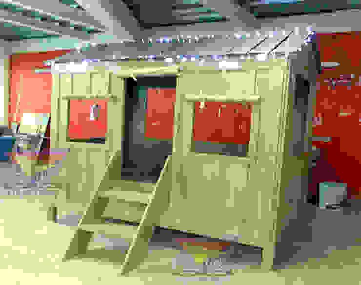 Divertida casita estilo de la playa:  de estilo tropical por camas y literas infantiles kids world, Tropical Derivados de madera Transparente