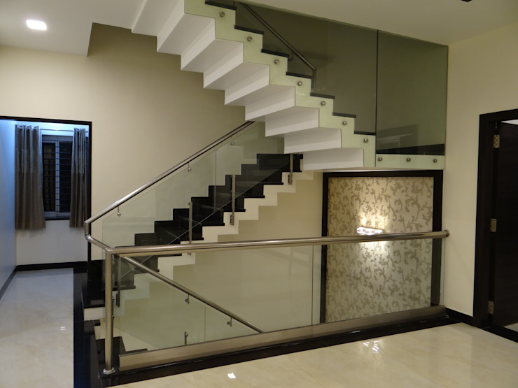 Stairwell Modern corridor, hallway & stairs by Hasta architects Modern