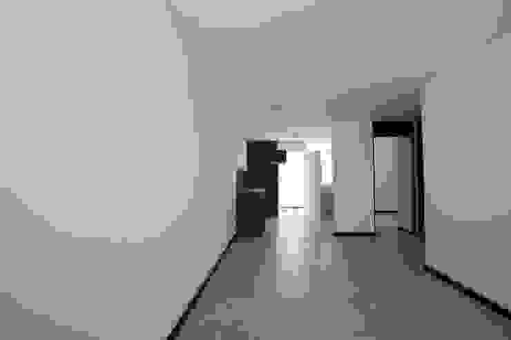Casa en La Aldea Cocinas minimalistas de Atelier X Minimalista