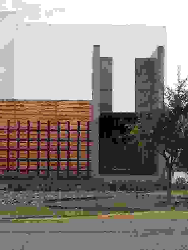 Casa Villegas Casas minimalistas de Atelier X Minimalista