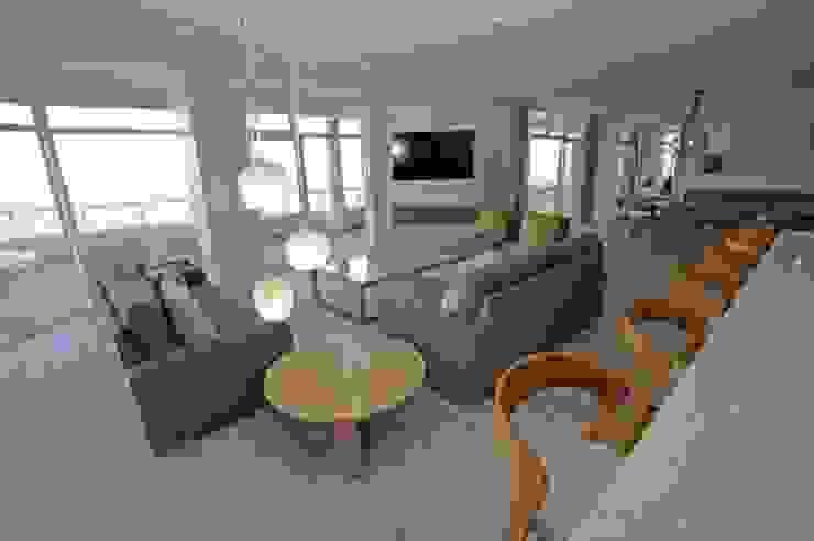 Salas de estilo moderno de BHD Interiors Moderno