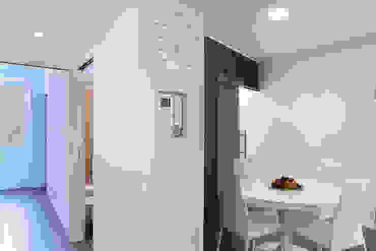 studio ferlazzo natoli Minimalistische gangen, hallen & trappenhuizen