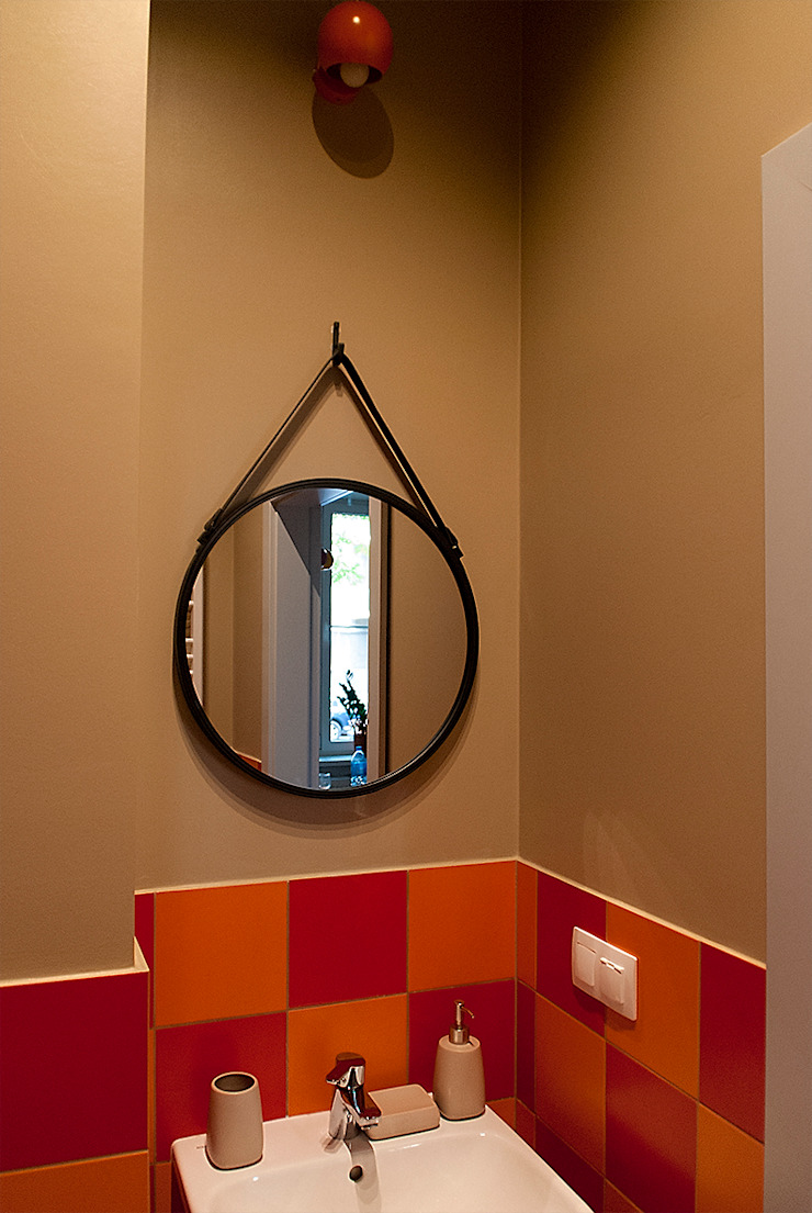 Baños de estilo moderno de Finchstudio Moderno