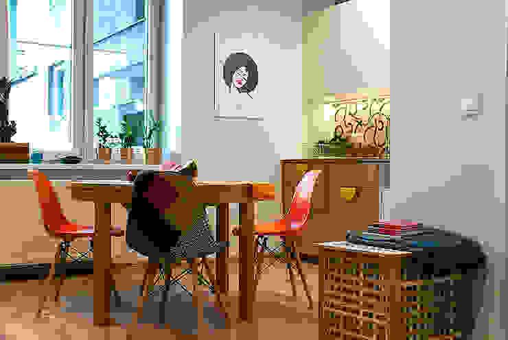 Comedores de estilo moderno de Finchstudio Moderno