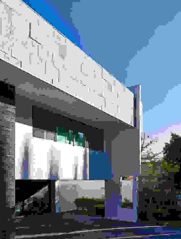 FACHADA LATERAL de Excelencia en Diseño Moderno Ladrillos