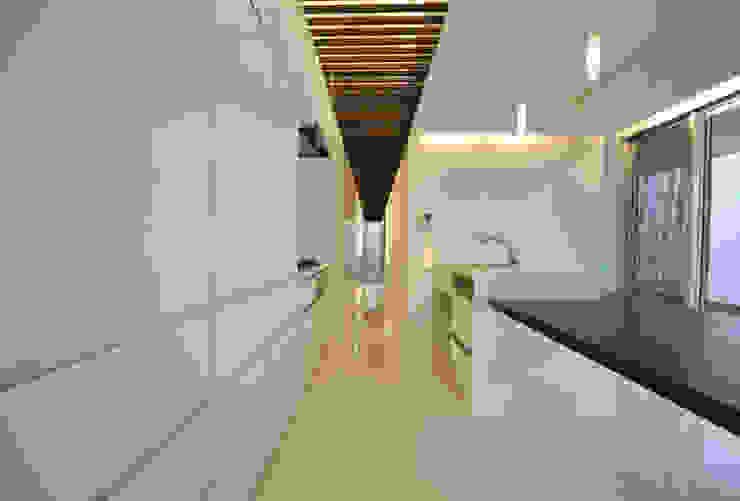 Moderne Küchen von 門一級建築士事務所 Modern Fliesen