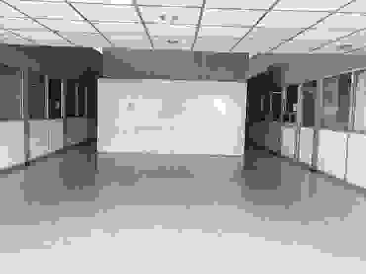 Lobby anterior de PRISMA ARQUITECTOS Moderno