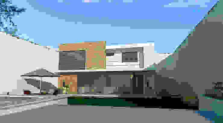 Area posterior. Casas modernas de PRISMA ARQUITECTOS Moderno Concreto
