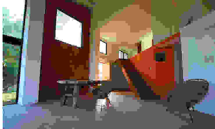 Sala - comedor Casas modernas de PRISMA ARQUITECTOS Moderno Ladrillos