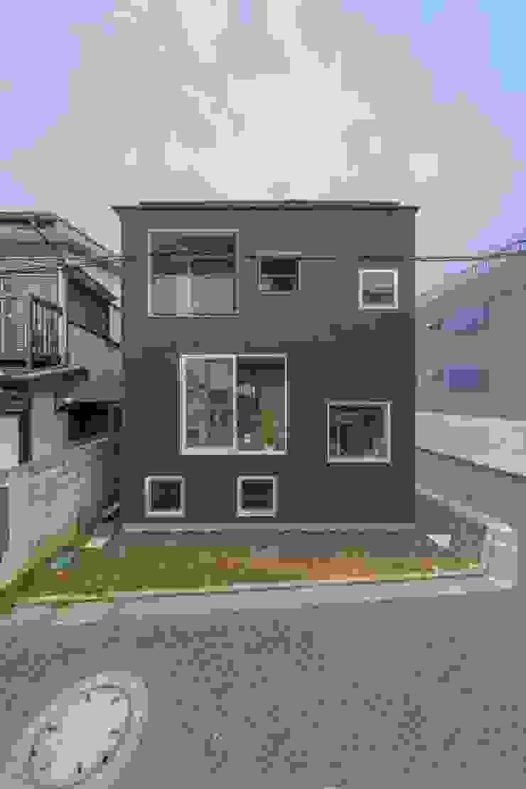 Modern Houses by 水石浩太建築設計室/ MIZUISHI Architect Atelier Modern