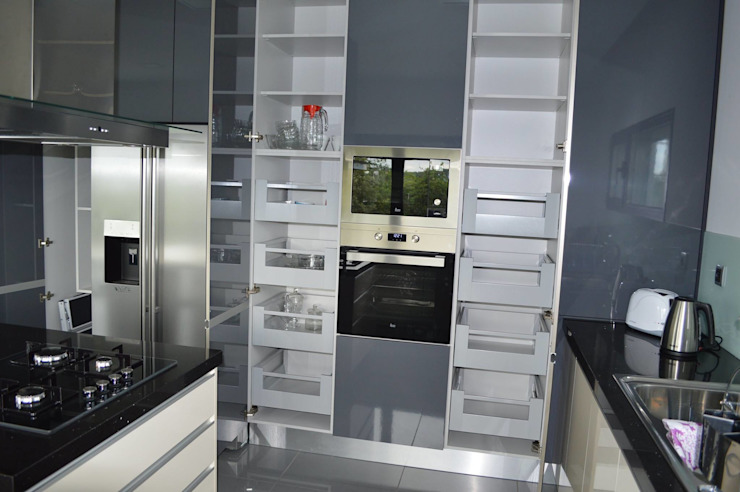 Modern kitchen by Ansidecor Modern انجینئر لکڑی Transparent