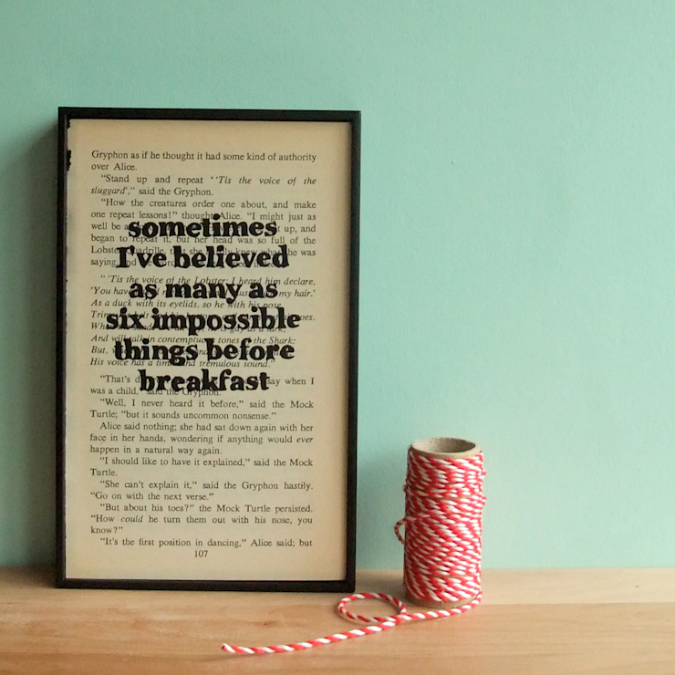 Alice In Wonderland Framed Book Quote par Little Mill House Éclectique