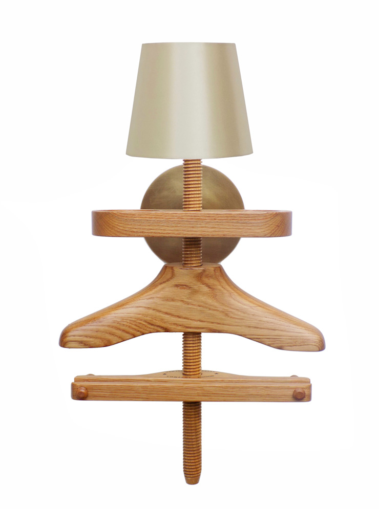 Wall Light Valet in oak: eclectic  by Gentleman's Valet Company, Eclectic Wood Wood effect