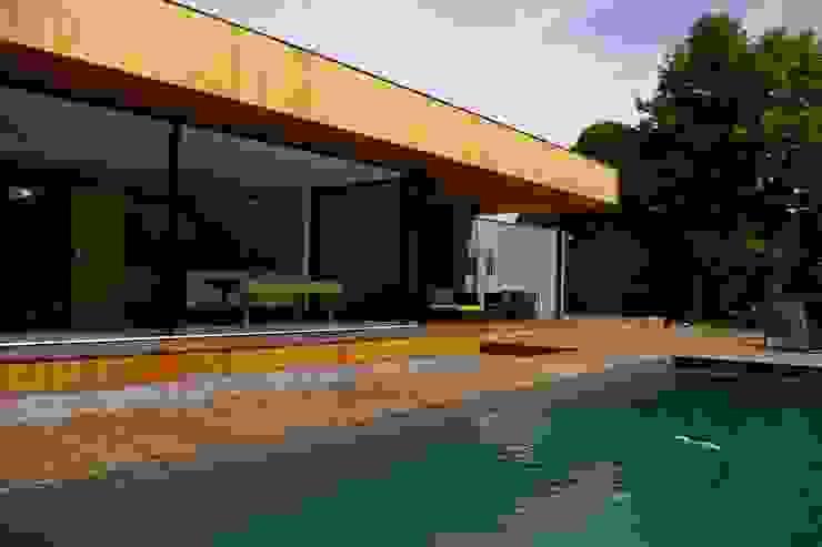 現代房屋設計點子、靈感 & 圖片 根據 FORT & SALIER 現代風