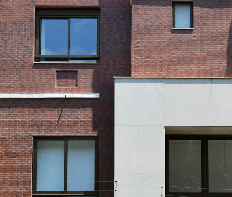 Fachada - Detalhe Casas modernas por André Petracco Arquitetura Moderno