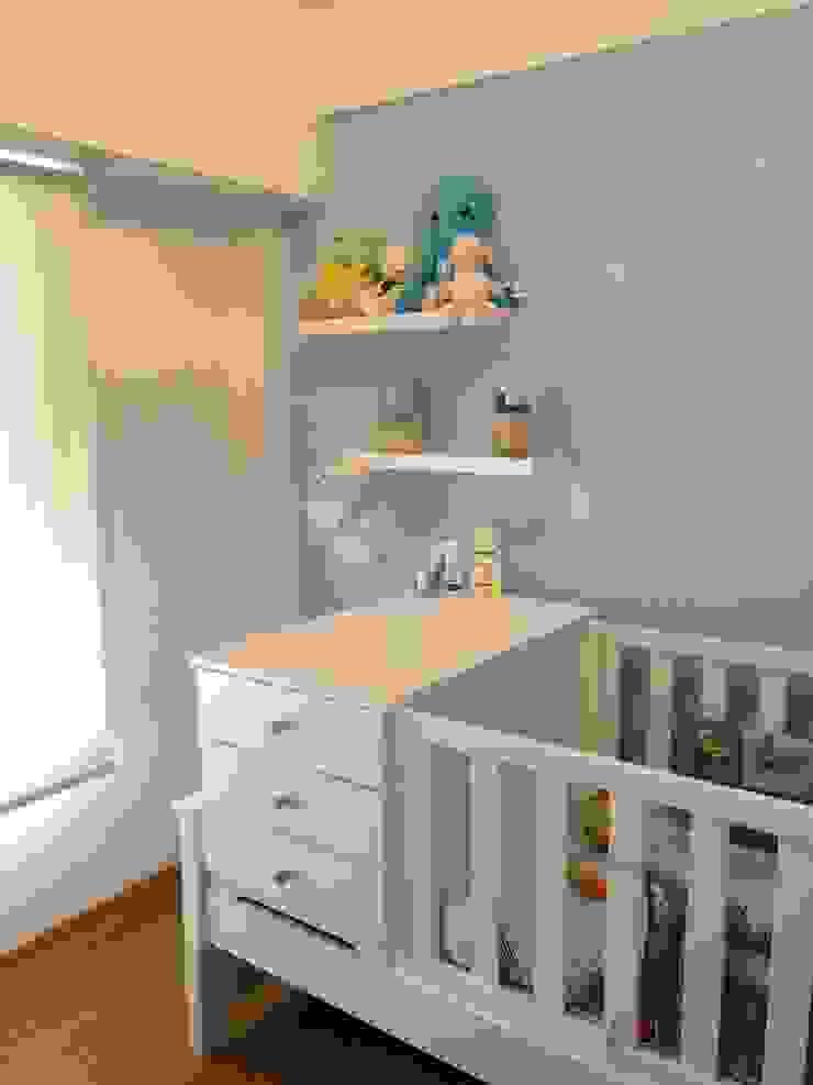 Dormitorios infantiles de estilo minimalista de BIANCHI ARQUITECTURA INTERIOR Minimalista Tablero DM