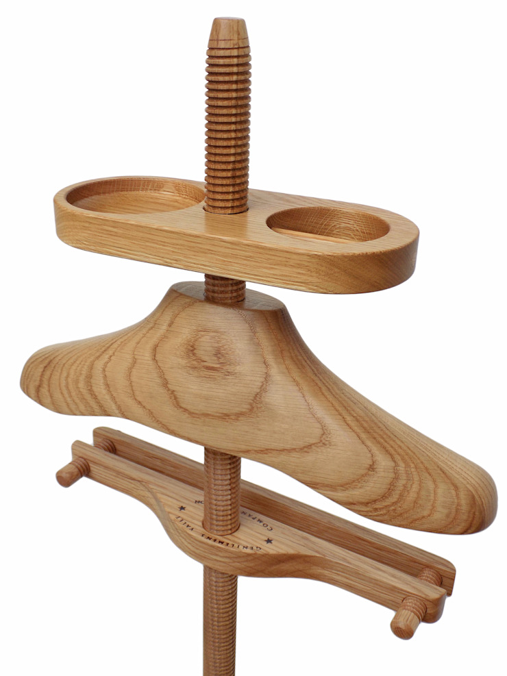 Standard Valet in oak.: eclectic  by Gentleman's Valet Company, Eclectic Wood Wood effect
