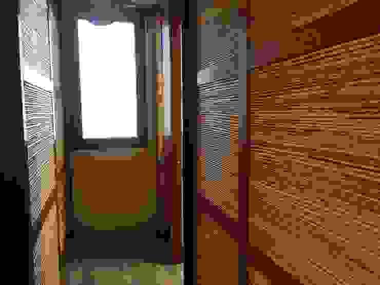 Closet en madera y bambú Vestidores de estilo rústico de homify Rústico Bambú Verde