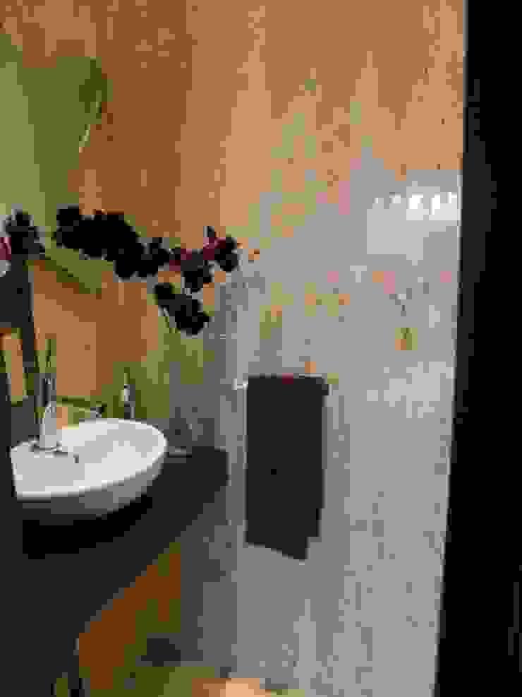 Apartamento Olhos de àgua 2004 Casas de banho modernas por Atelier Ana Leonor Rocha Moderno