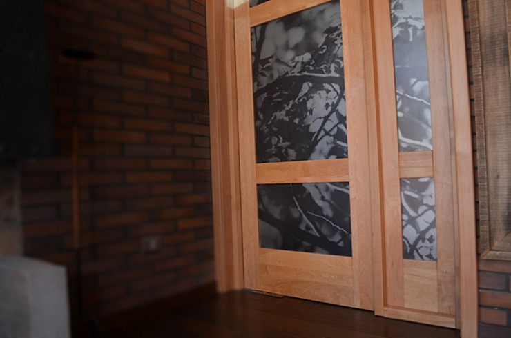 Ignisterra S.A. Rustic style windows & doors Wood Brown