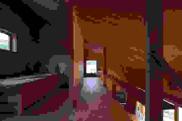 Minimalist nursery/kids room by TENK Minimalist