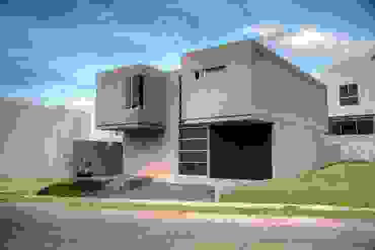 : Casas de estilo  por Con Contenedores S.A. de C.V.,