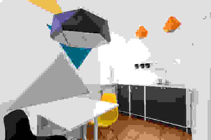 مطبخ تنفيذ Kraupe Studio, حداثي