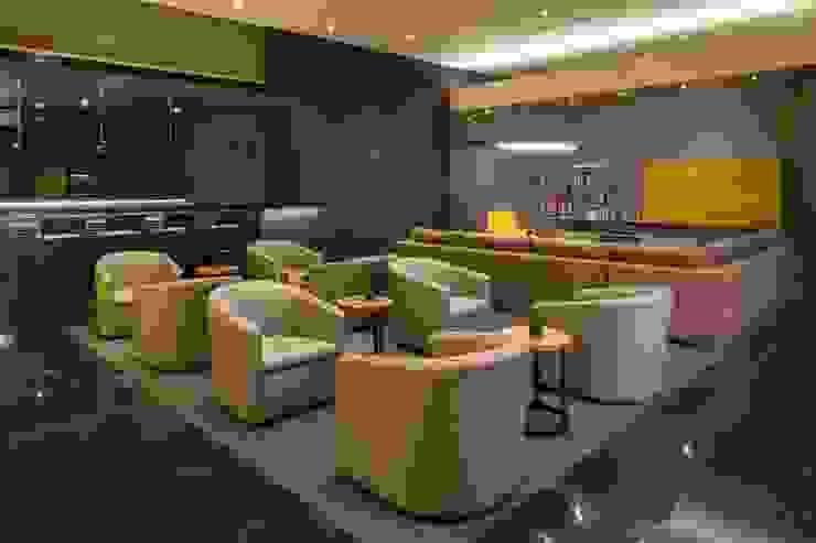 Amenidades Punto Central Fase 2 Salones modernos de Línea Vertical Moderno
