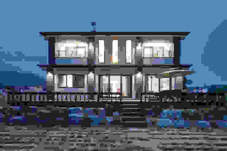 윤성하우징 Casas de estilo moderno