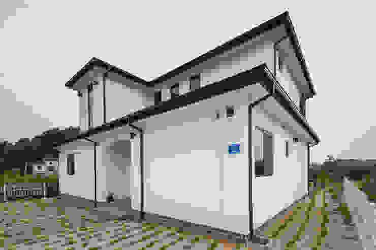 Projekty,  Domy zaprojektowane przez 윤성하우징, Nowoczesny