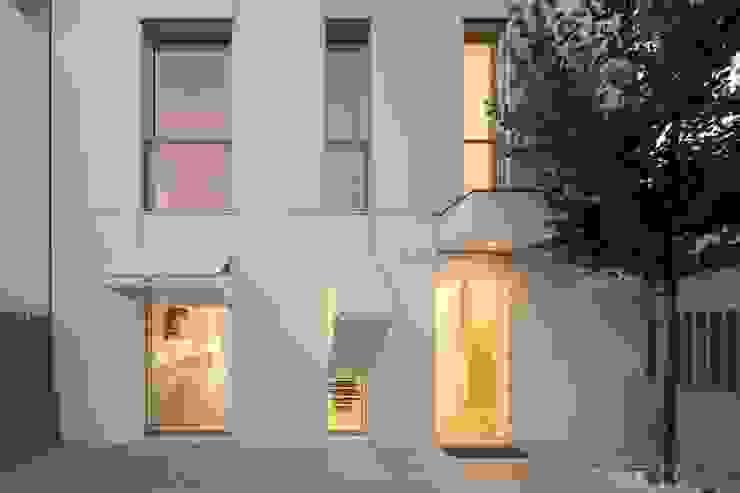 Moradia Unifamiliar na Parede. Parede 11. Casas minimalistas por Humberto Conde R. Arquitectura Lda Minimalista