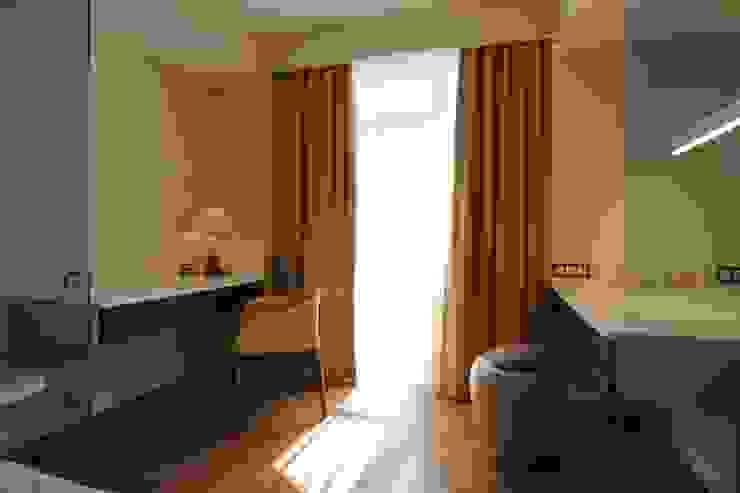 Bellarte interior studio Minimalist bedroom Brown