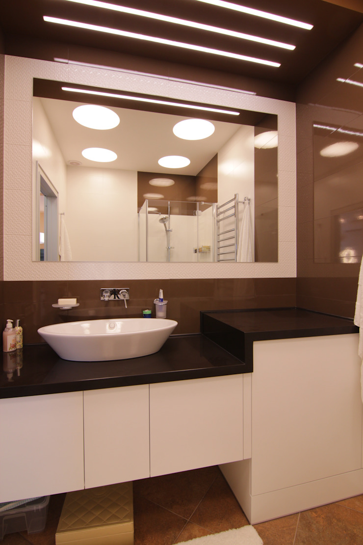 Bellarte interior studio Minimalist bathroom Brown