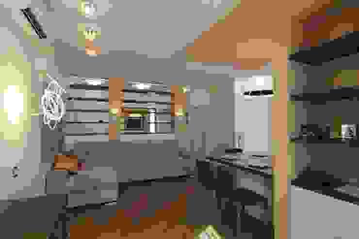 Bellarte interior studio Minimalist living room White